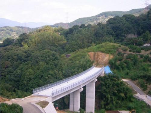 紀の里地区横谷3号橋上部製作架設工事